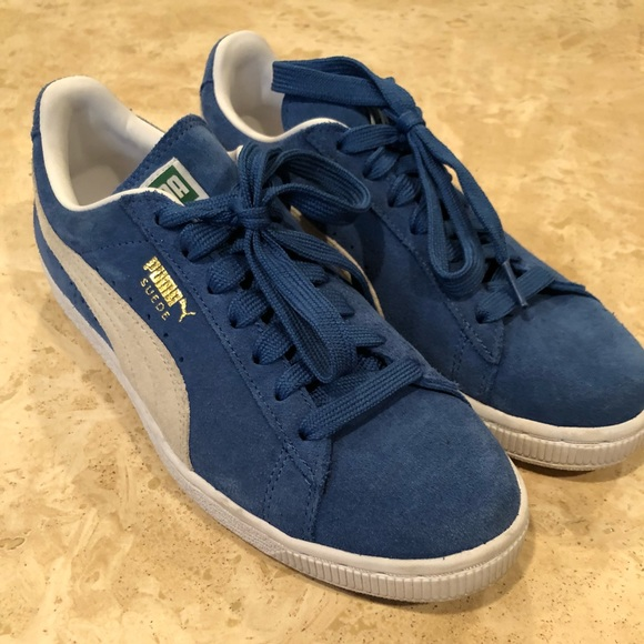 new product 96b52 c3f89 Puma blue suede sneakers size 8